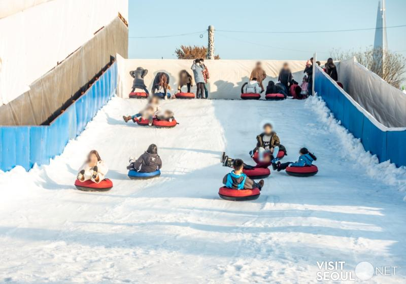 Ttukseom Hangang Park Sledding Hill 2019_1