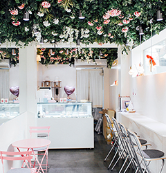 Here are a few dessert cafes capturing the fragrance & liveliness of Spring!