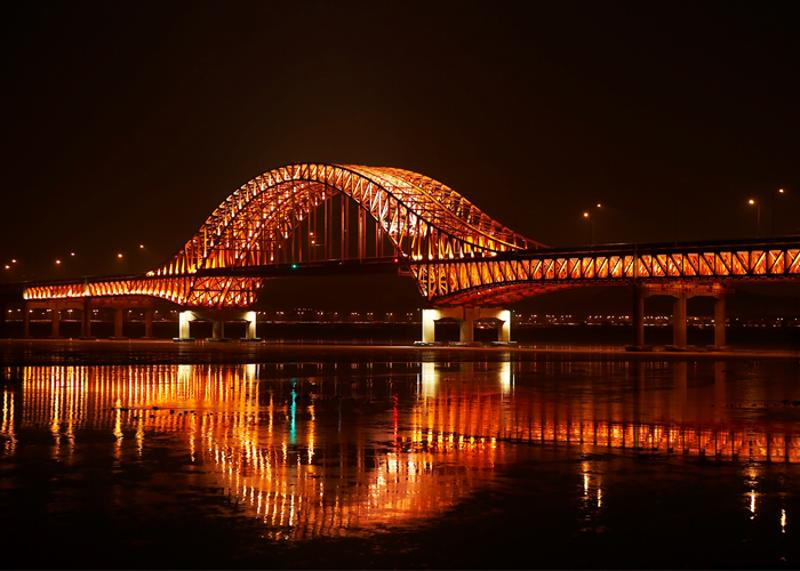 The 18 Sparkling Bridges of the Han River_2
