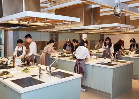 Hallyu Cooking Class and Learn How to Cook K-Food